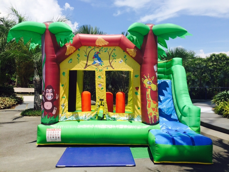 Medium Bouncy Castles